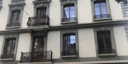 We rent these representative office spaces from 118 – 206 m2 in the historic property at Rue de l'Université 6 in Geneva.