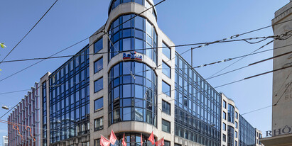 1'922 m2 office space for rent at the heart of the  business district of Geneva at the Rue du Commerce 3 – 7.