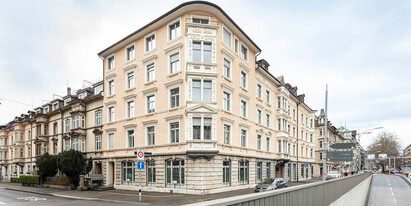 We are renting on the ground floor and 1st floor furnished 343 m2 office space on the fourth floor at Dreikönigstrasse 55 in Zurichs district 2.